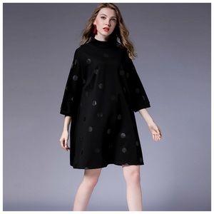 🌸 Black & Gray Polka Dot Oversize Dress